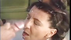 Lauras Mutter Sabine ist immer nereit