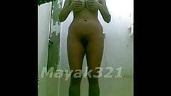 GF SHOW NUDE IN BATHROOM