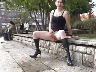 Daring outdoor peeing next to people wearing high heels 1