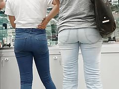WHICH ASS MOM OR DAUGHTER