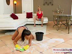 Les stepmom dildo fucking with stepdaughter