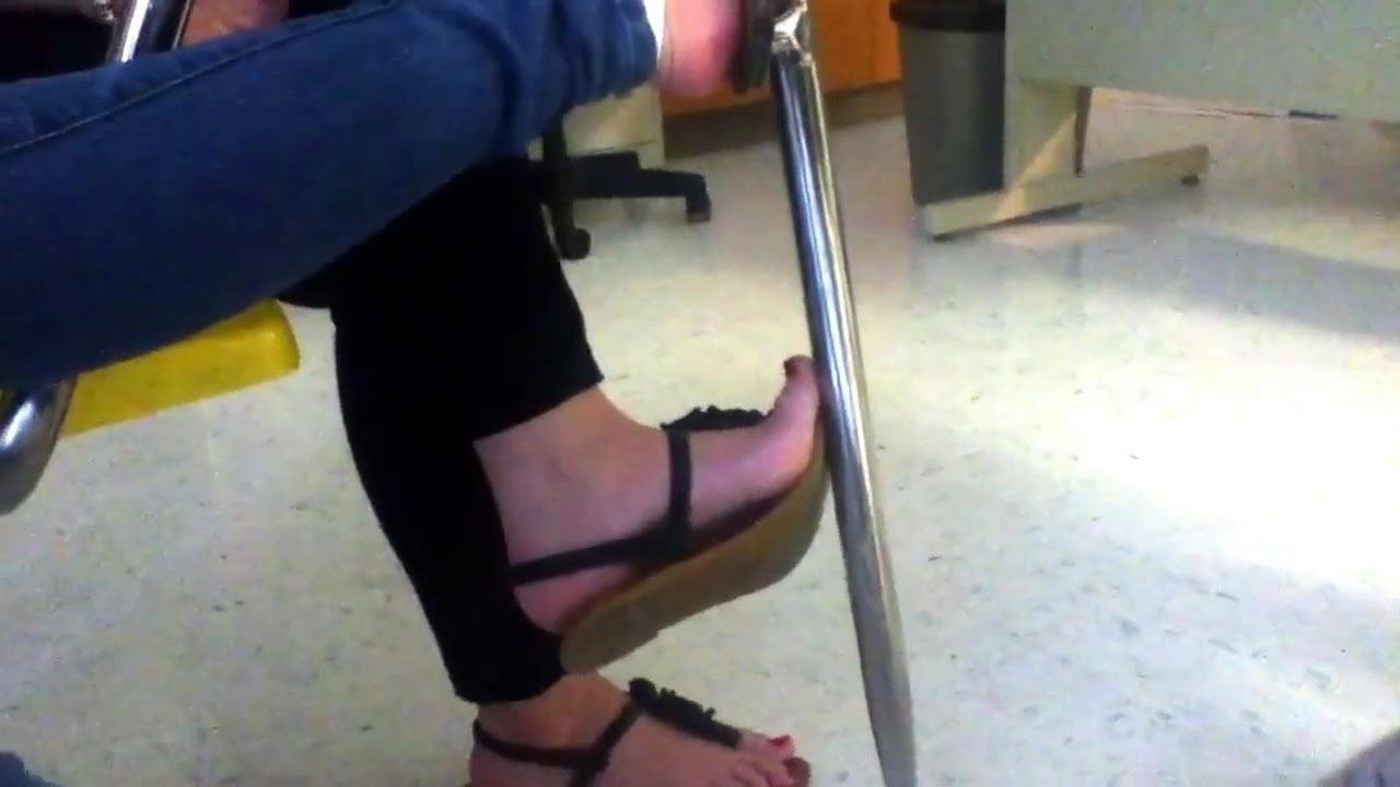 Sexy Ebony Feet Masturbate