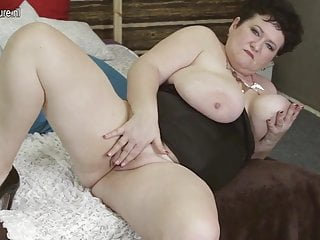 Busty MOM alone on cam