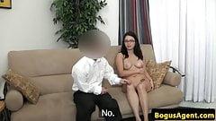 Spex amateur pussyrubs before fucking midget