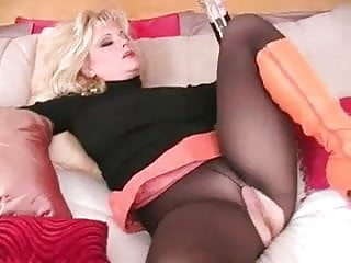 3-11-14 Blondie orange boots and black pantyhose
