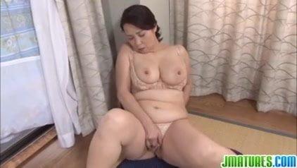 <熟女動画>暮町ゆうこ