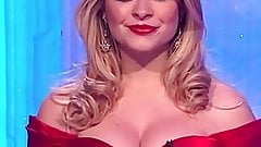 HOLLY WILLOUGHBY JIGGLY JUICY TITS