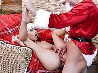 FamilyStrokes - Stepdad Santa Fucking Cute Ariana Marie
