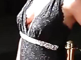 Download video bokep Jennifer Knaeble - Dicke Bru ste auf dem Roten Teppich Mp4 terbaru