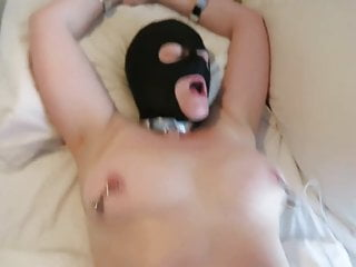 Sexslavewife performs, and finishes anal