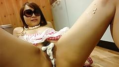 Japanese housewife, Minako Sawada likes to play with food, u