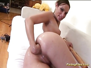 flexi babe fisting her tight ass hole