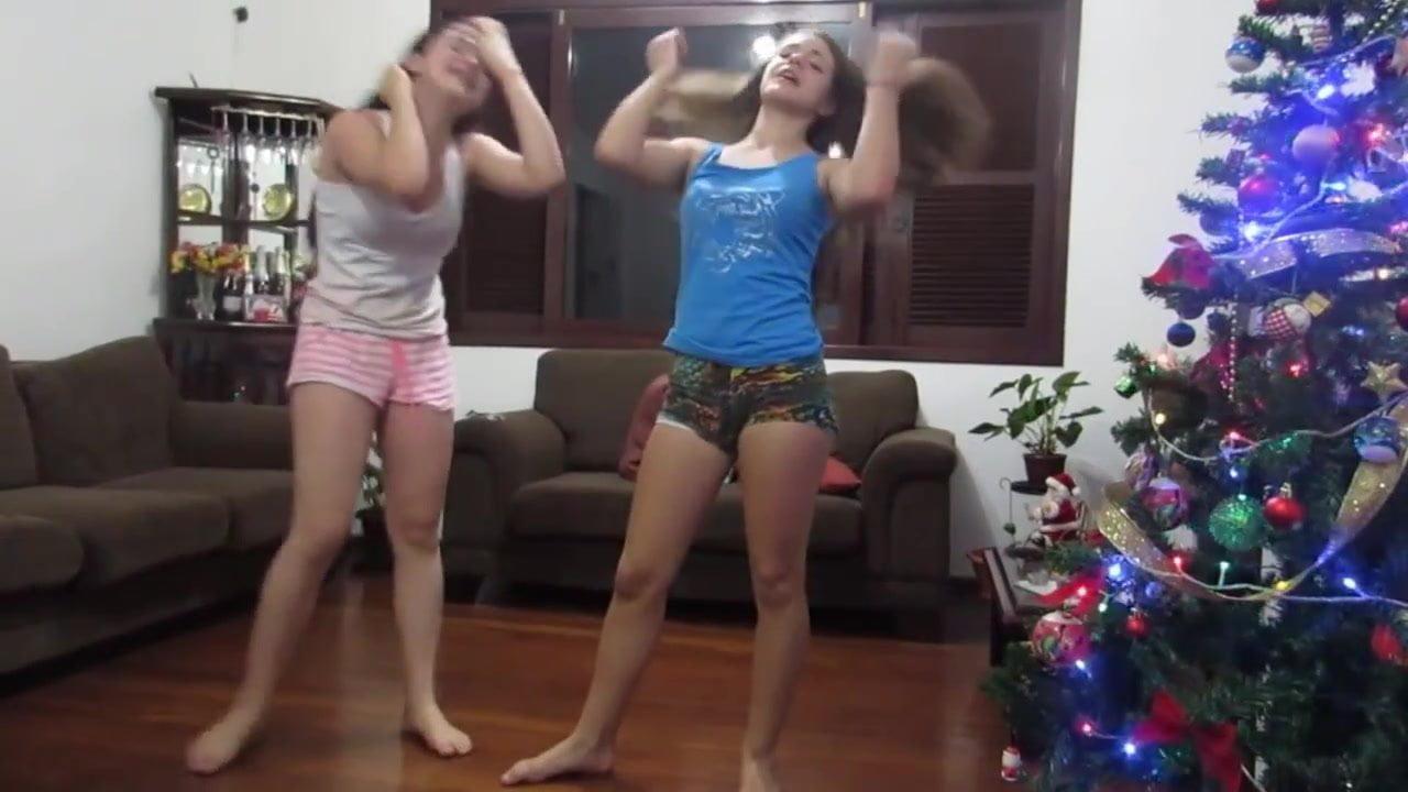 Latina twerking in the shower fat ass