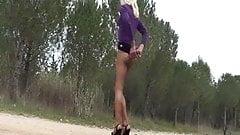 Blonde aux bois