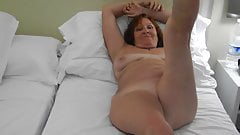Sexy mature slut in hotel