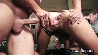 LaSublimeXXX Liz Valery loves threesome
