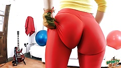THE ASS PERFECTION SPANDEX SLUT, FIONA from SportySlut.com