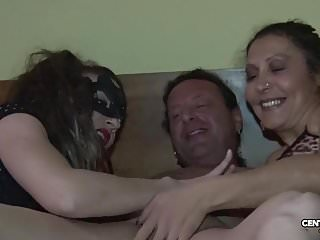 Download video bokep Morena vs Valentina Vai di culo e di vagina (CXD01317) Mp4 terbaru