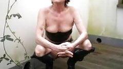 Wife decking pee.mp4