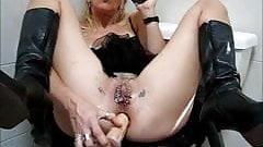 vibrator up her ass 071014