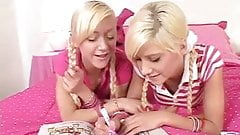 blonde teens and magic markers