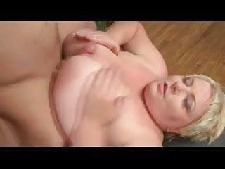 Dutch BBW fucked in her fat pussy