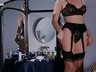 Fermo Posta Tinto Brass nude scenes - Erika Savastani