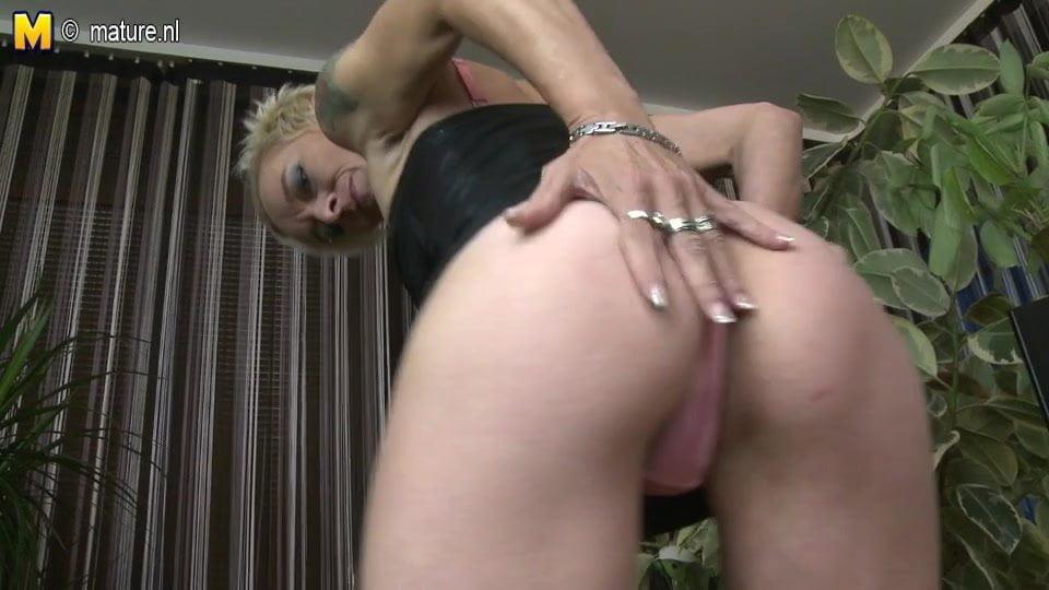 Slim Mature Mom With Small Saggy Tits And Dildo Hd Porn 5C De-3525