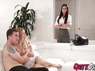 Mami Interviene: Sexo Junto a La Hija - India Summer, Alexa Grace