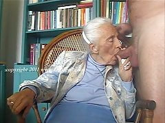 OmaGeiL Hot Amateur Granny Pictures Showoff's Thumb