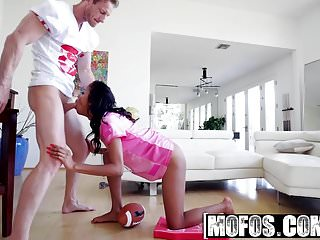Mofos - Ebony Sex Tapes - Nia Nacci - Nia Nacci Fantasy Foot