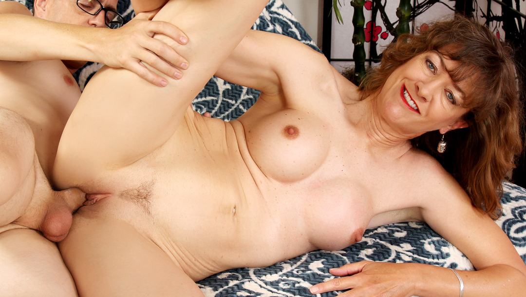 Free download & watch mature strumpet babe morgan blows and bangs a younger guy         porn movies