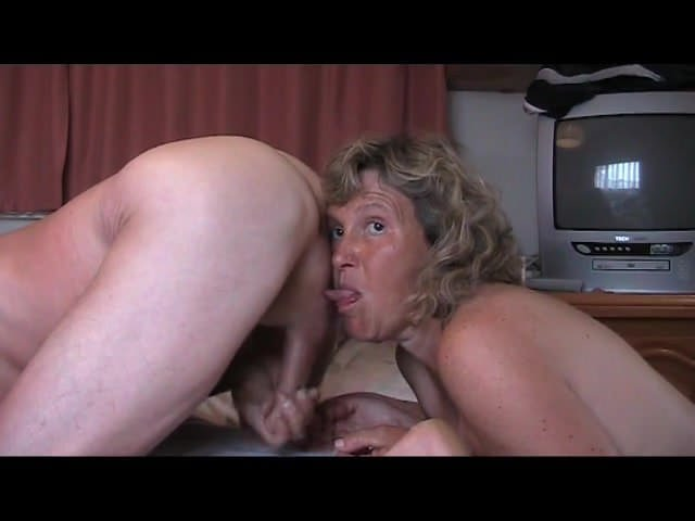 Mature excitee au reveil, dana wall nude