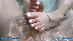 fireflys Bathtube Footjob
