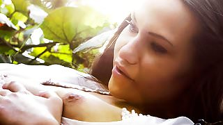 Vine - Hannah Sweet, Subil Arch