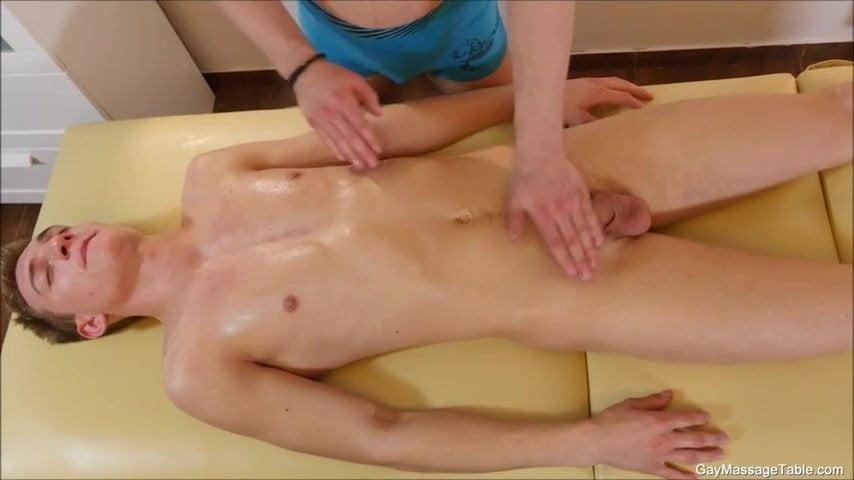 porn gay massage a policia
