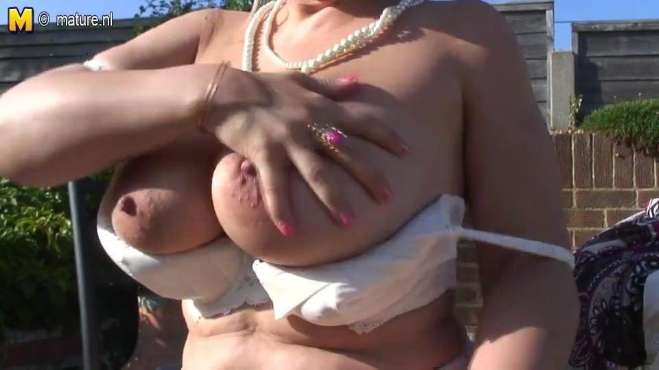 Big Breasted Amateur Granny Masturbate In The Garden-1743
