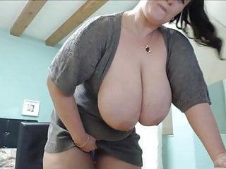 Download video bokep Big boobs girl killing online funny masturbating show Mp4 terbaru