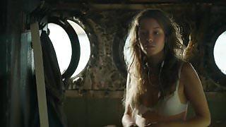 Irina Starshenbaum - Chyornaya voda (2017) Sex Scene