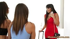 Bigbooty stepmom tribbing a gorgeous teen