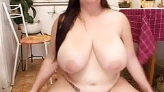 Another nicely plump woman in