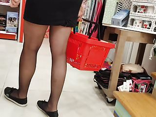 Download video bokep Sexy milf shopper in black pantyhose Mp4 terbaru