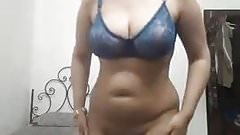 Iranian BBW Flash Full Body