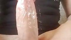 Fetter Schwanz spritzt ab