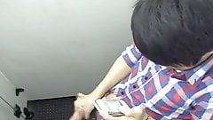 Str8 spy filipino guy in public toilet
