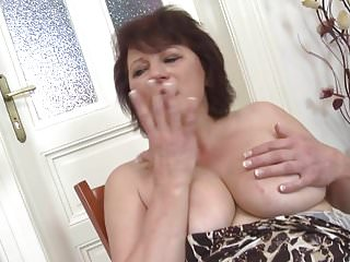 Real mature mother with amazing natural body