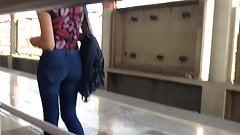 Nice ass in jeans, culo apretado