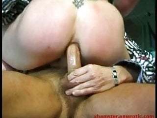 Hardcore bi-gangbang with sexy ladies 2 of 2