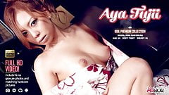 Traditionally dressed Japanese redhead toys her pussy in the