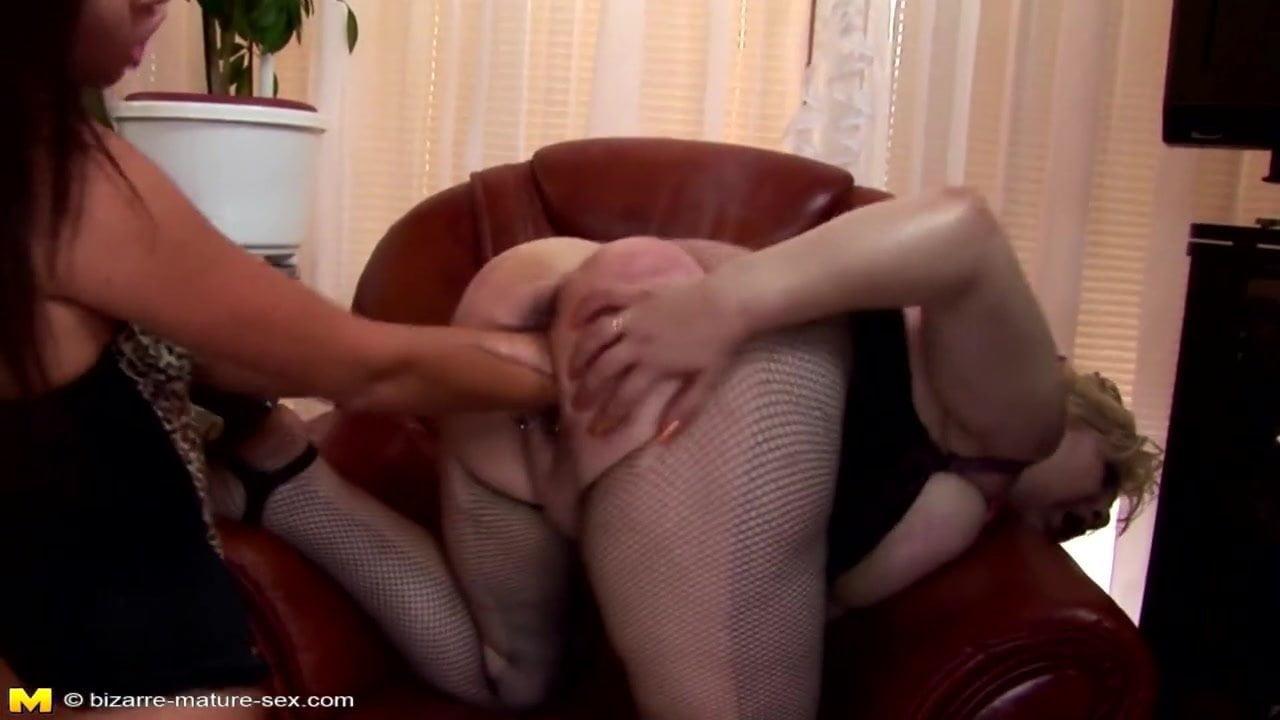 Hand up her leg sex video